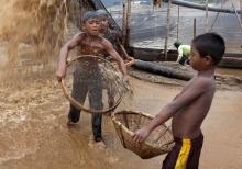 6_child_labor_at_bholagonj_stone_quarry_field