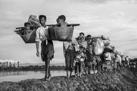 A man carry his children