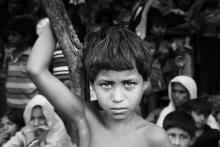 Rohingya children crying